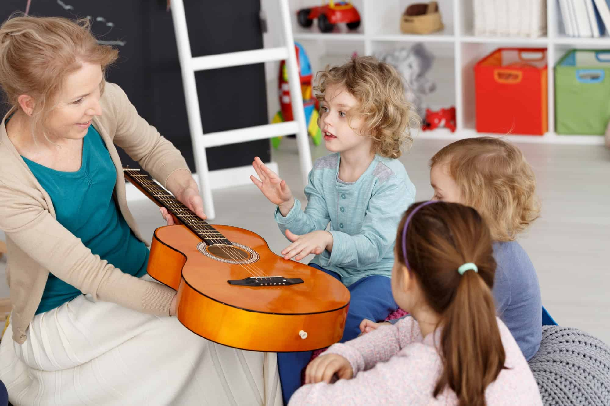Music lesson with kids